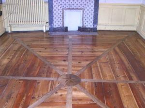 Après la rénovation du parquet du bureau du moulin de l'Auro