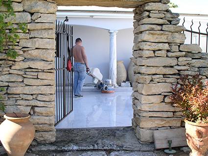 restauration terrasse marbre par solag - finition par poli-brillance