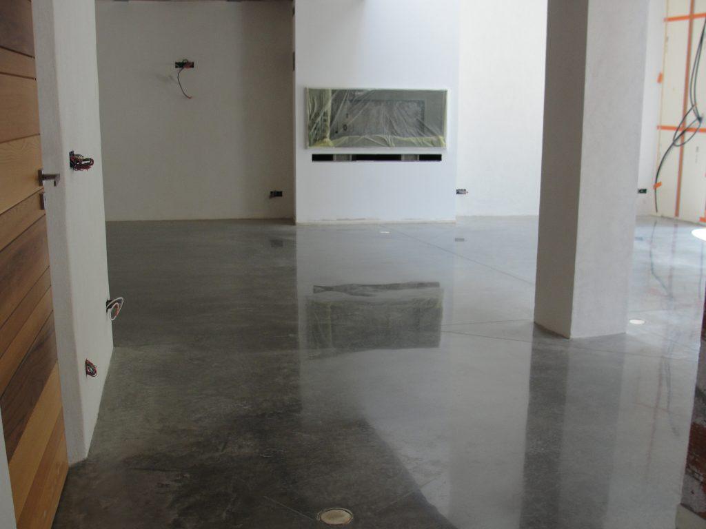 béton quartzé : rendu en fin de chantier (2013)