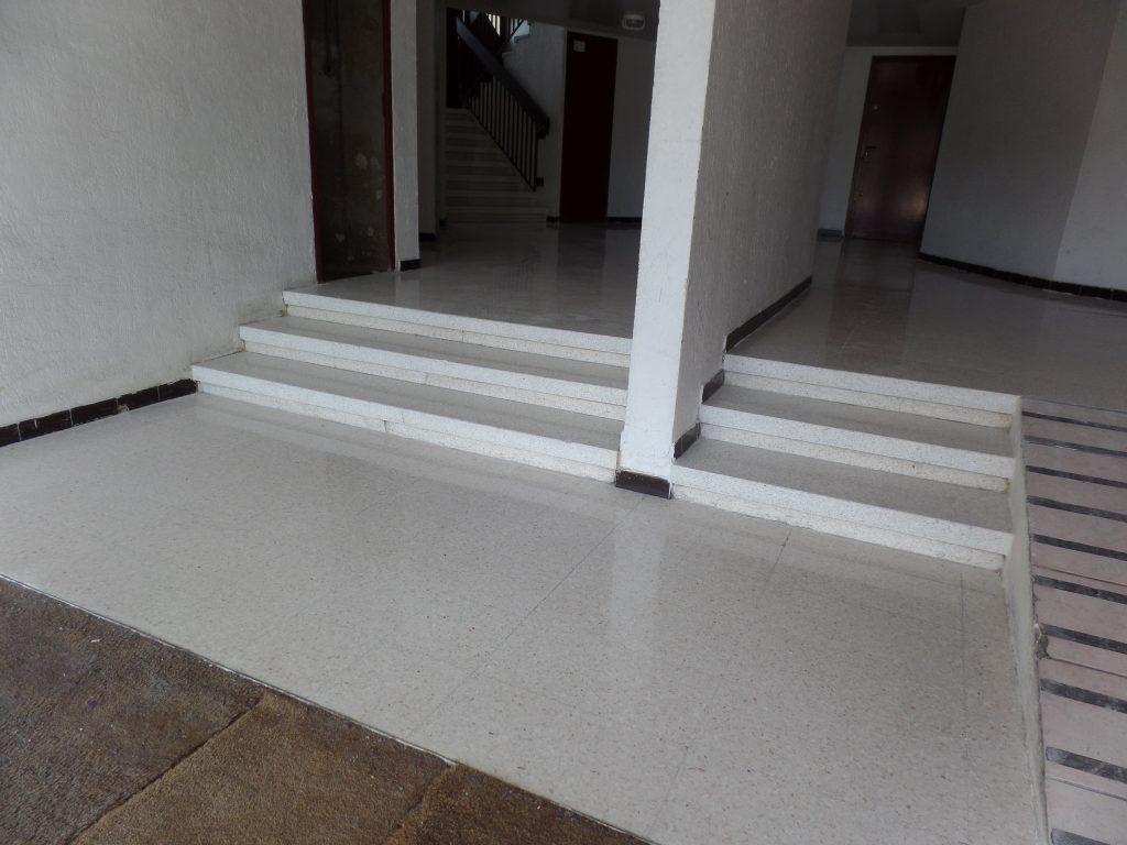 restauration hall d'entrée en granito - après - SOLAG