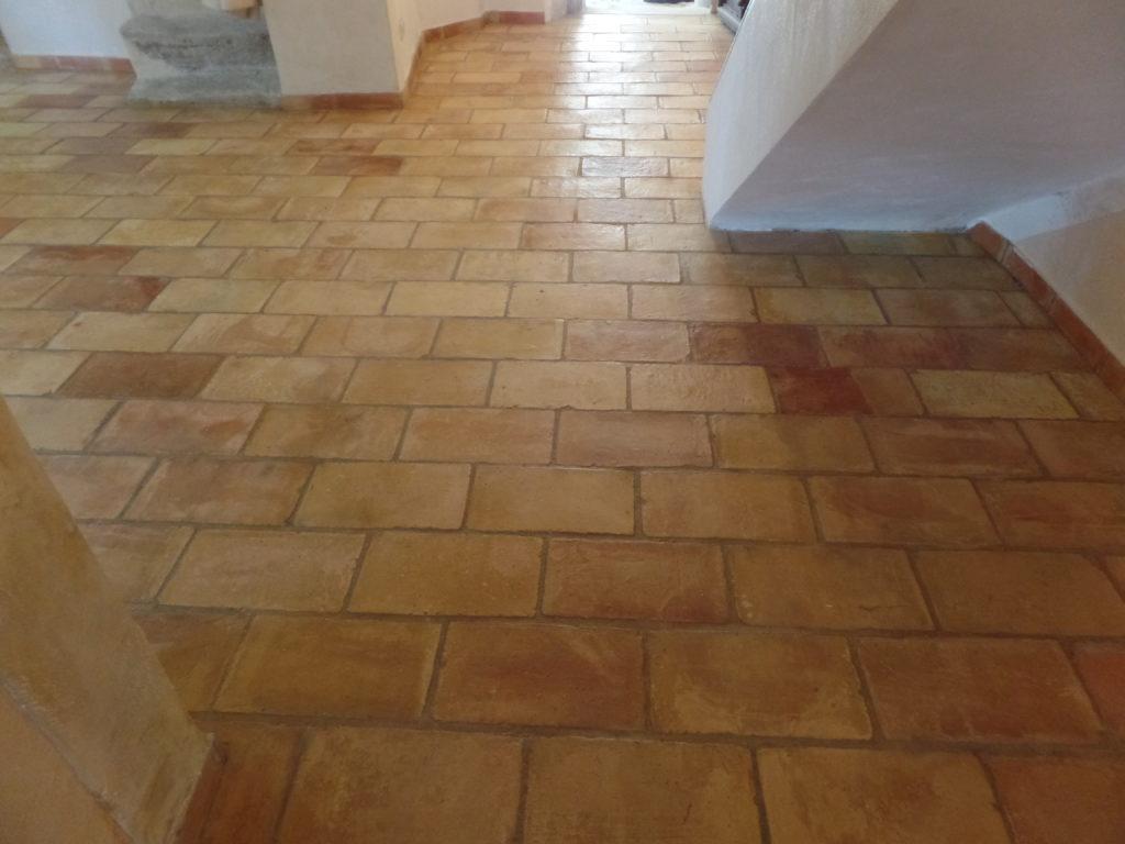 Après la rénovation d'un sol en terre-cuite à Crillon-le-Brave