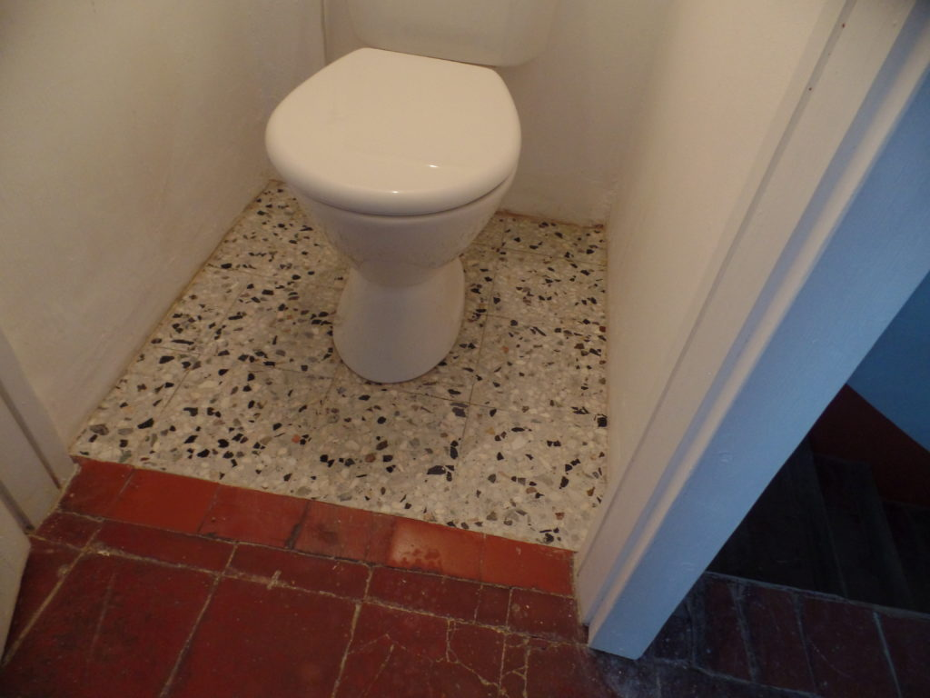 Après la rénovation du granito de les toilettes