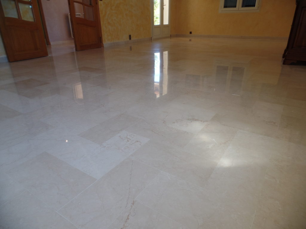 Après la rénovation du marbre du salon