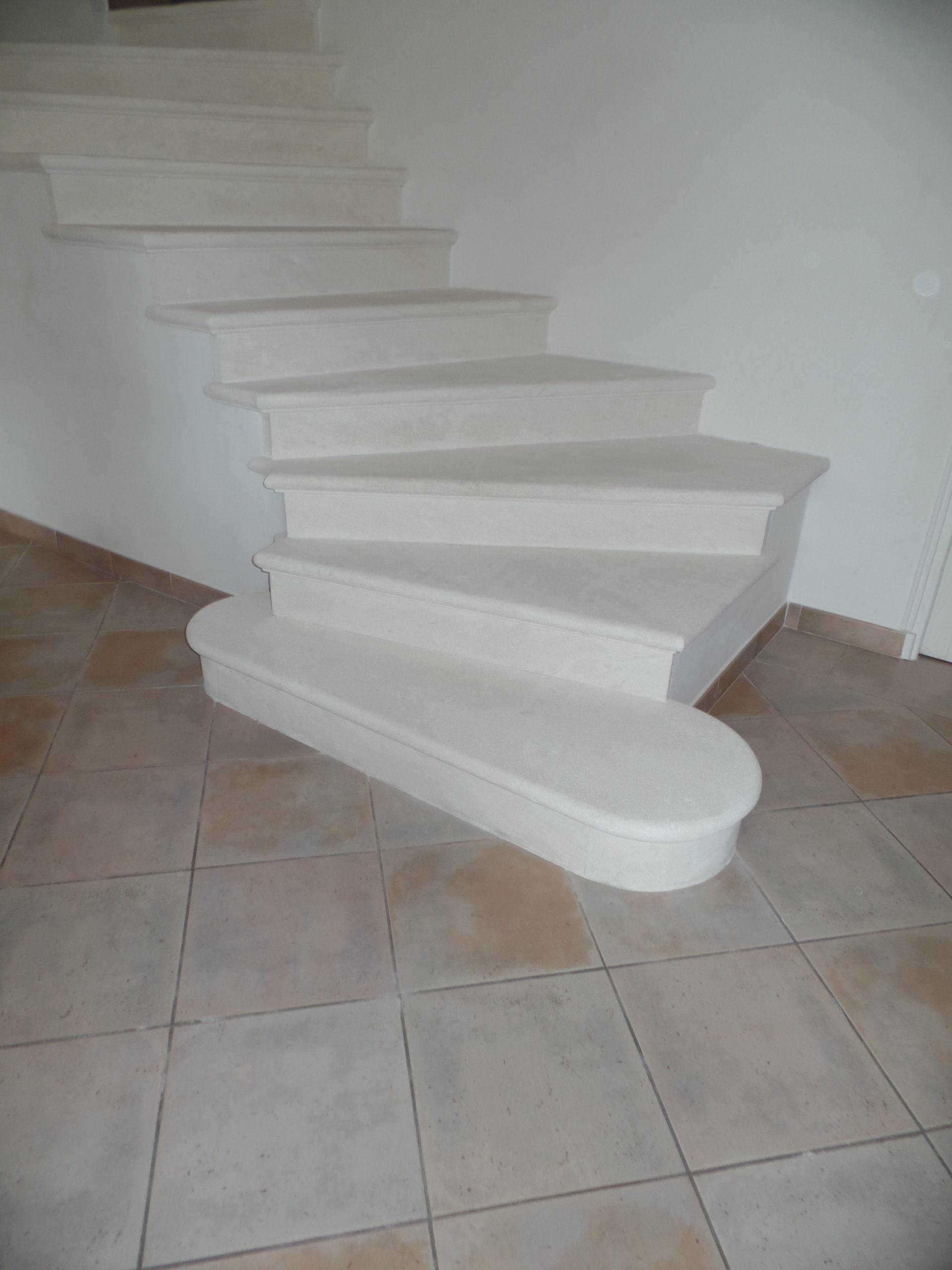 Après la rénovation de l'escalier en pierre